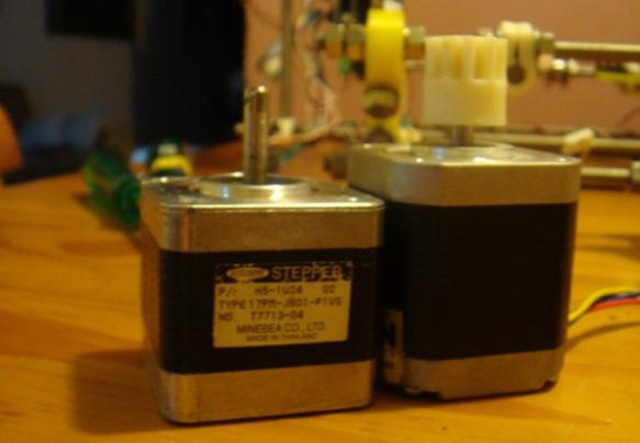 Diferença de altura dos motores de passo